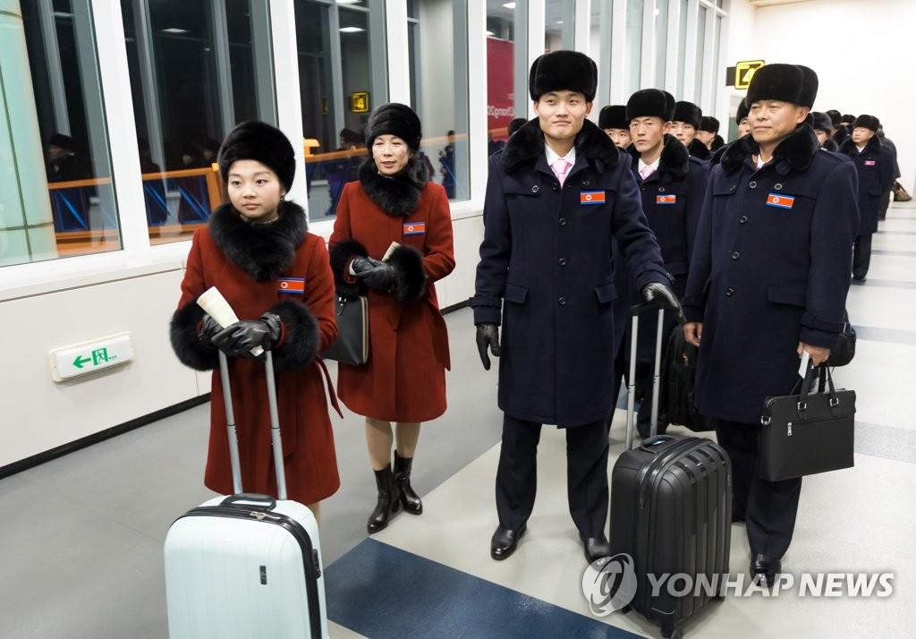 朝鲜体育代表团抵韩