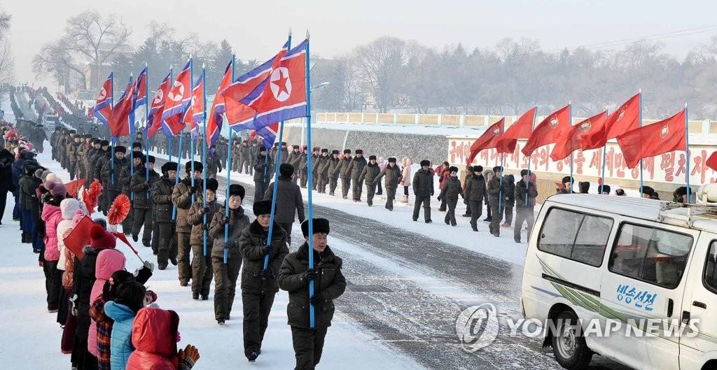 朝鲜行军拉练迎光明星节