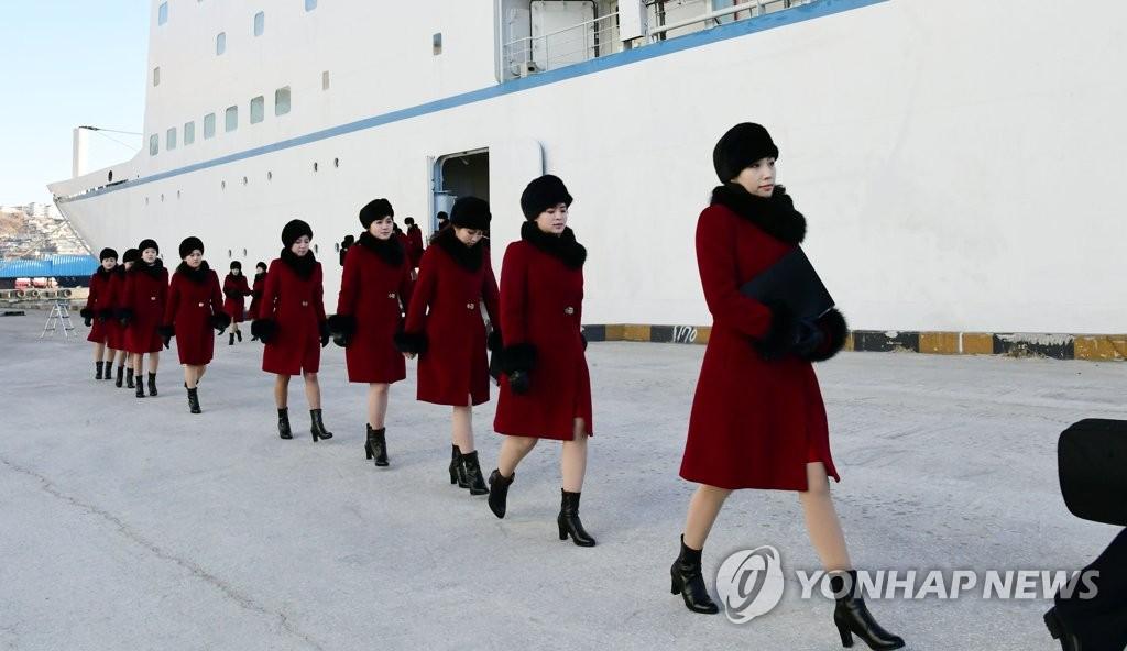 朝鲜艺术团下船