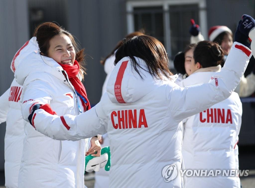 中国冬奥运动员开怀一笑