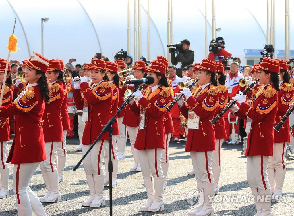 朝鲜拉拉队庆祝表演