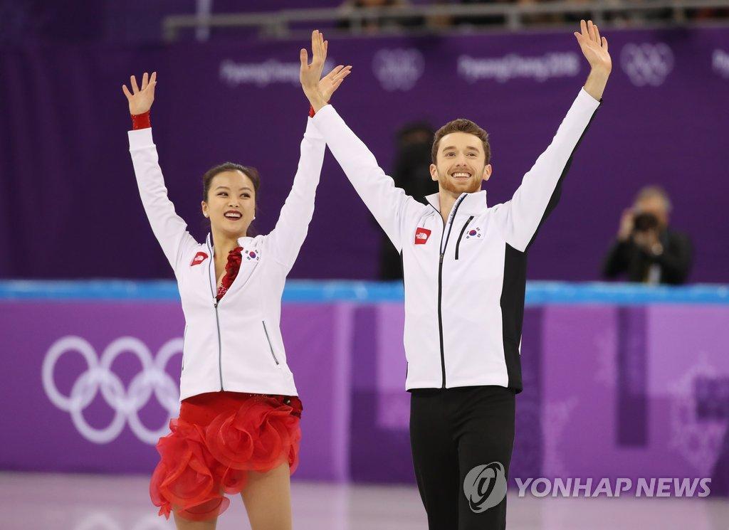 韩花滑组合出战团体赛