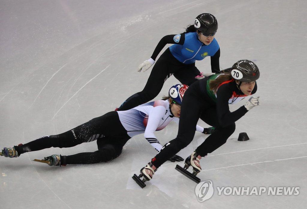沈锡希滑倒无缘1500米半决赛