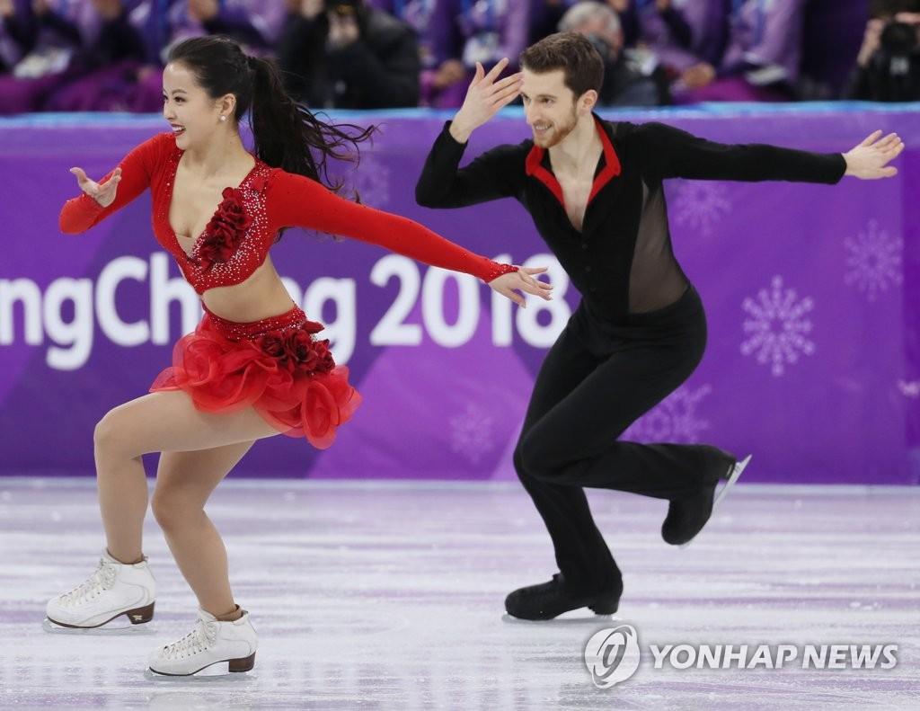 韩国双人滑组合热舞