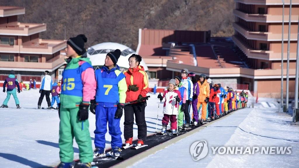 朝鲜马息岭滑雪场