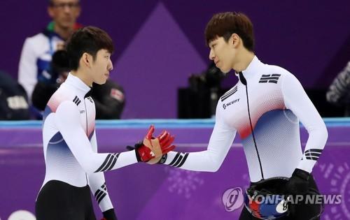 短道500米韩国亚季军握手