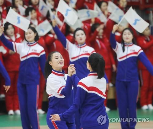 朝鲜拉拉队致谢演出