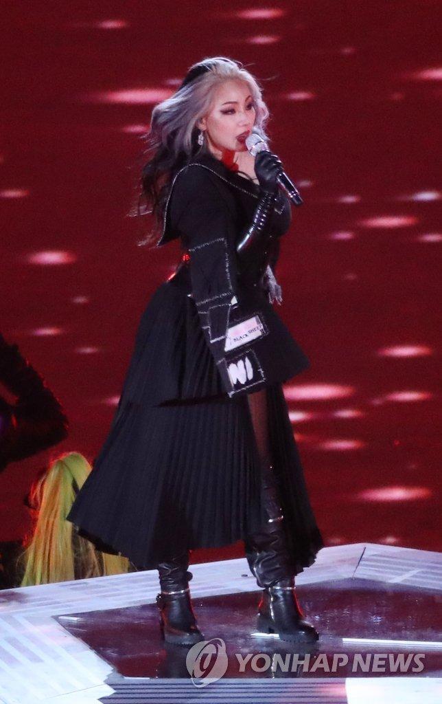 歌手CL离开老东家YG娱乐