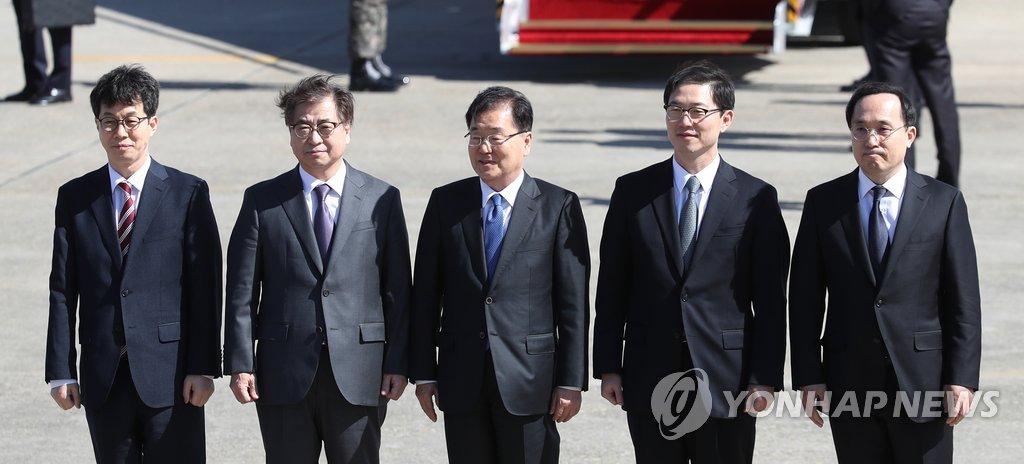韩总统特使团赴朝