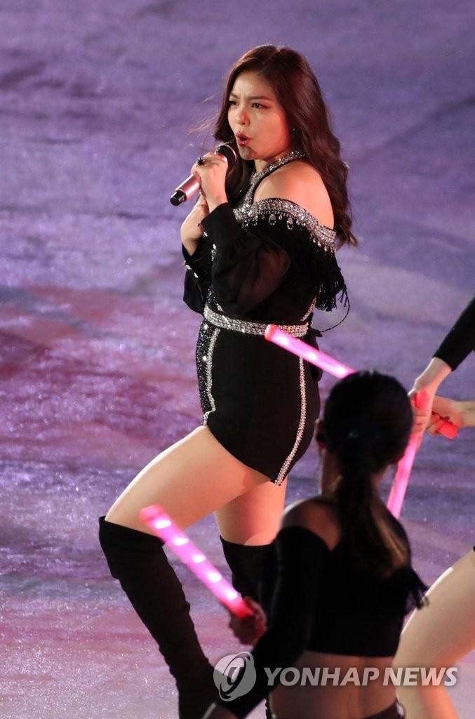 Ailee亮相冬残奥会闭幕式