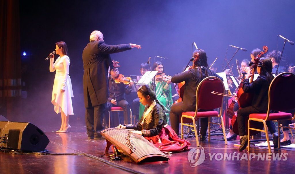 Lyn献唱韩-阿联酋文化交流活动