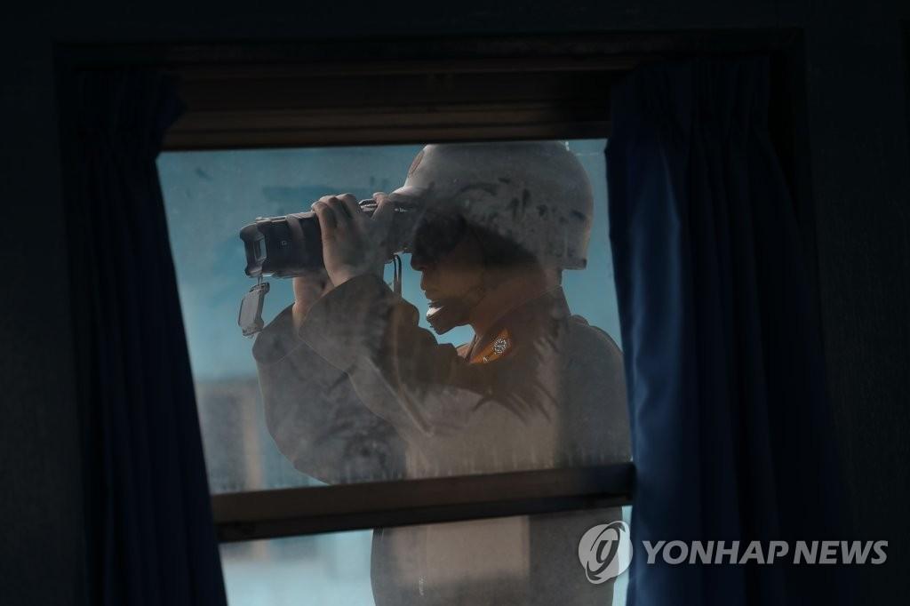 朝军观察韩方动向