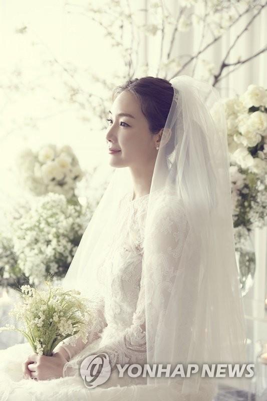 崔智友婚纱照公开