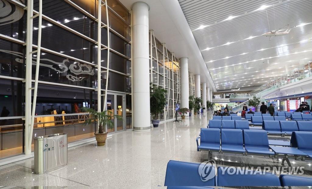 平壤顺安机场候机大厅