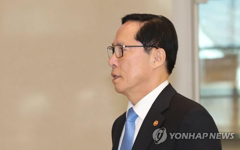 韩防长结束阿联酋之旅