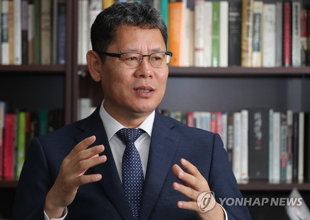 韩国统一研究院院长金炼铁(韩联社)