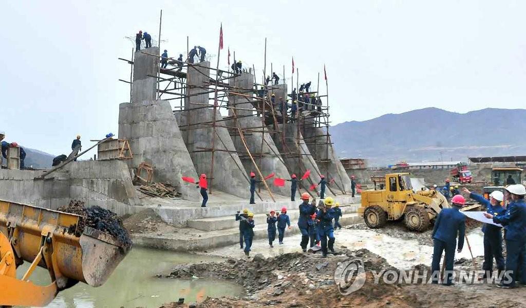 朝鲜端川发电站施工现场见报