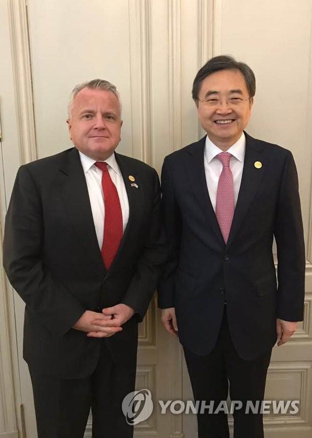 消息:韩美日副外长会议下月在华盛顿举行