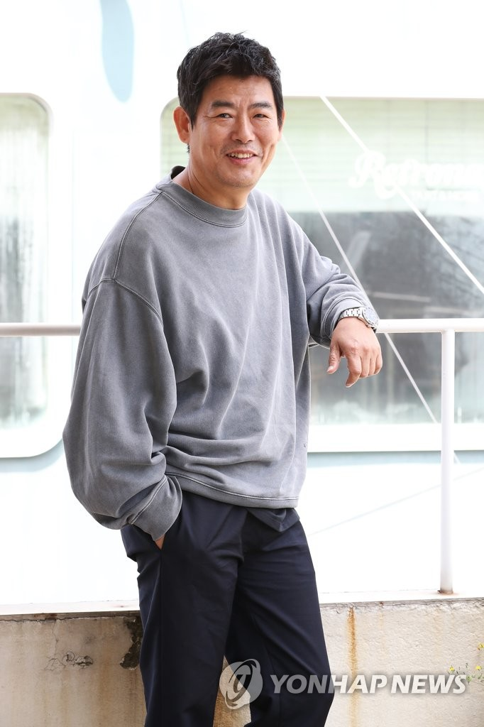 成东镒担纲新片《侦探2》