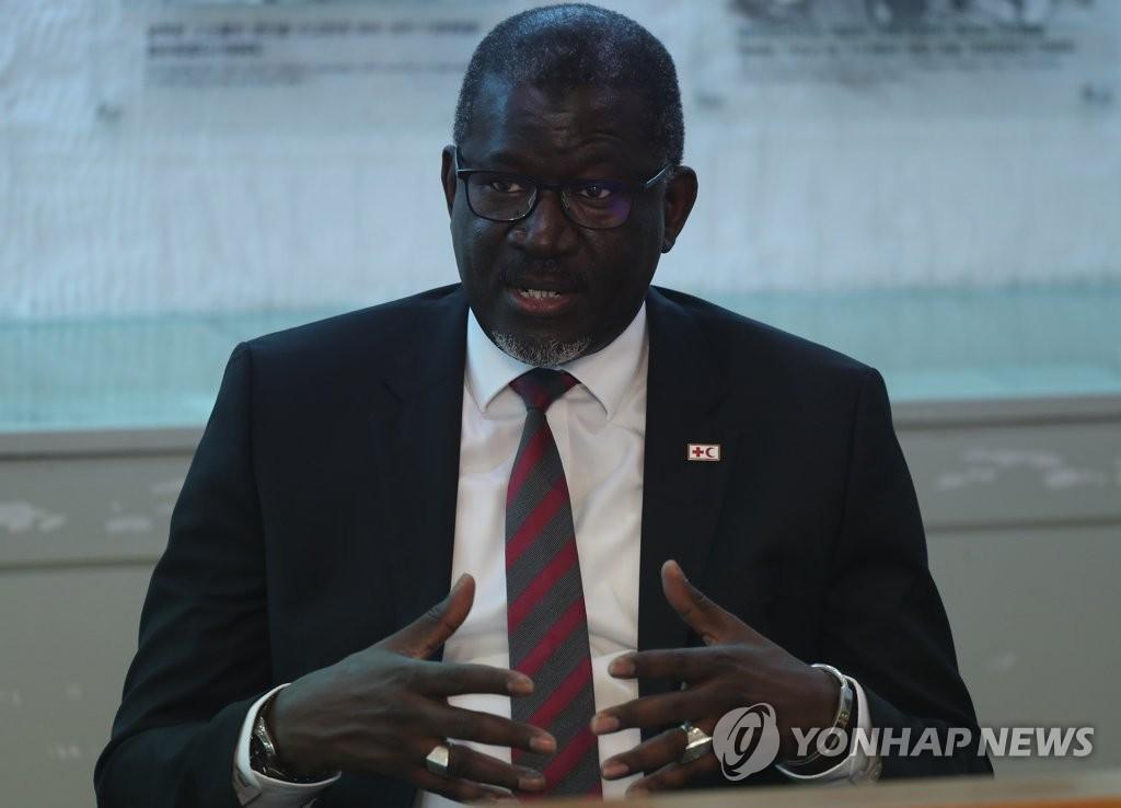 IFRC秘书长接受韩联社采访