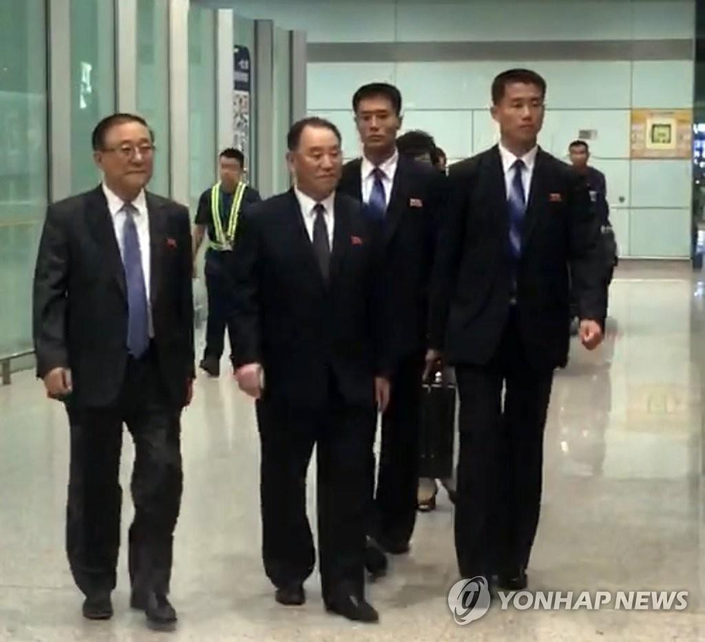 朝鲜劳动党副委员长金英哲昨抵京