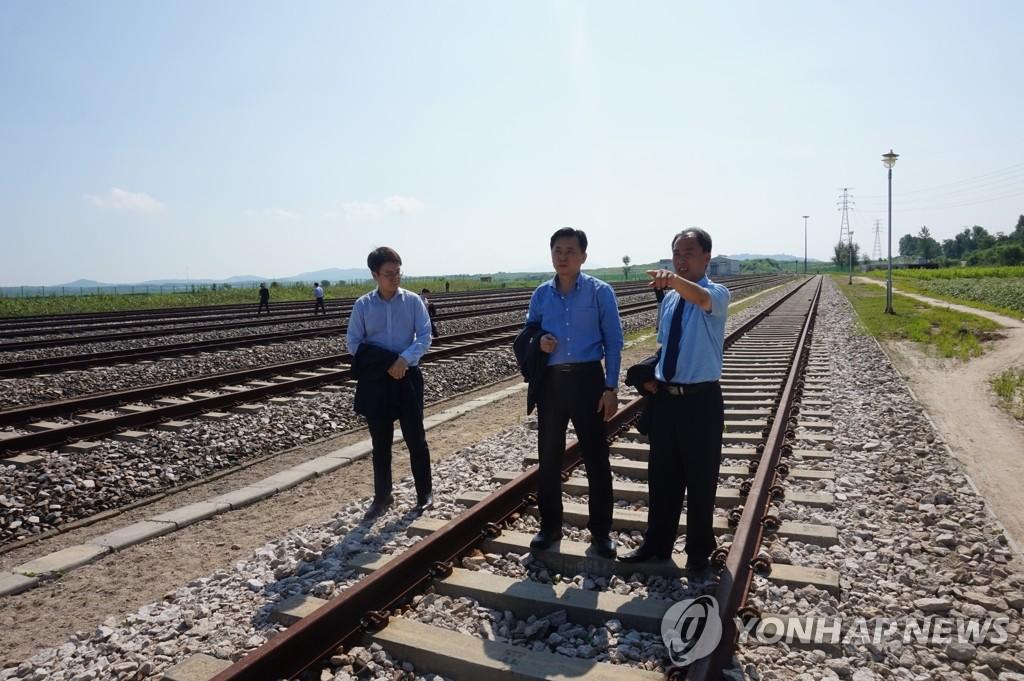 韩统一部:韩朝铁路对接费在实地考察后确定