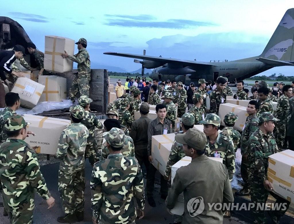 首批韩国援助物资抵达老挝