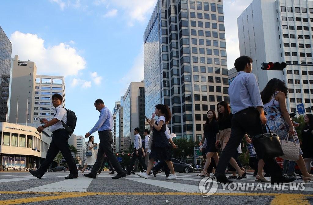 调查:韩六成公民看好周52小时工时制