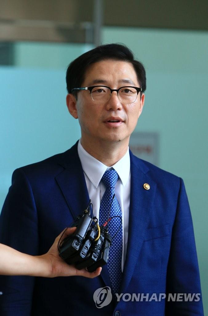 韩统一部副部长访朝