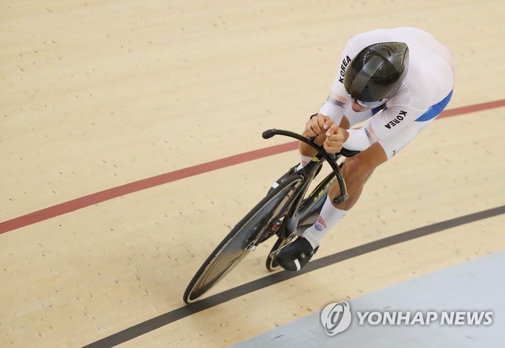 亚运自行车男子个人追逐赛韩国朴相训夺冠
