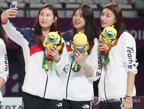韩国女排摘铜