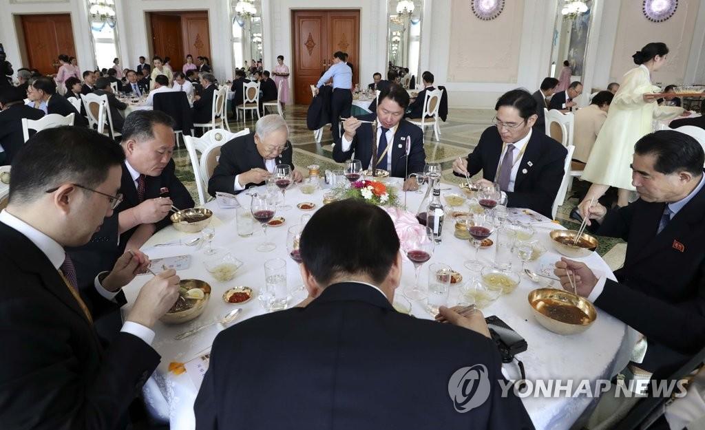 韩统一部:正就朝高官抱怨韩企传闻了解情况