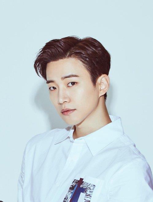 2PM俊昊月底以替代役身份入伍
