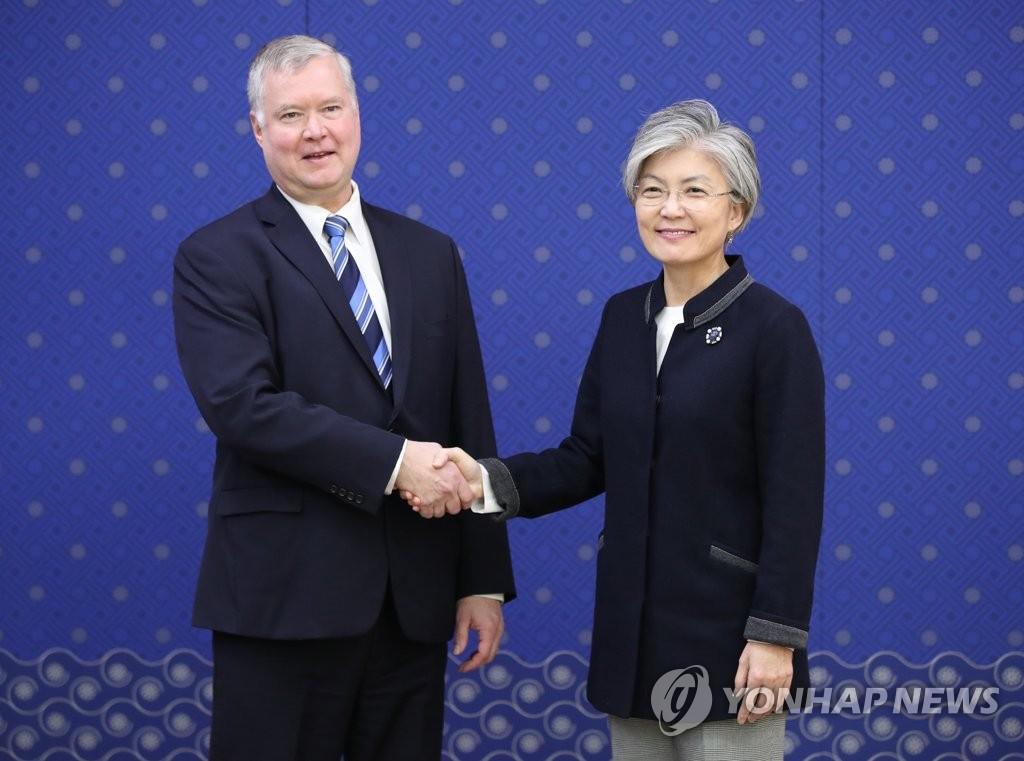 韩外长会见美对朝政策代表