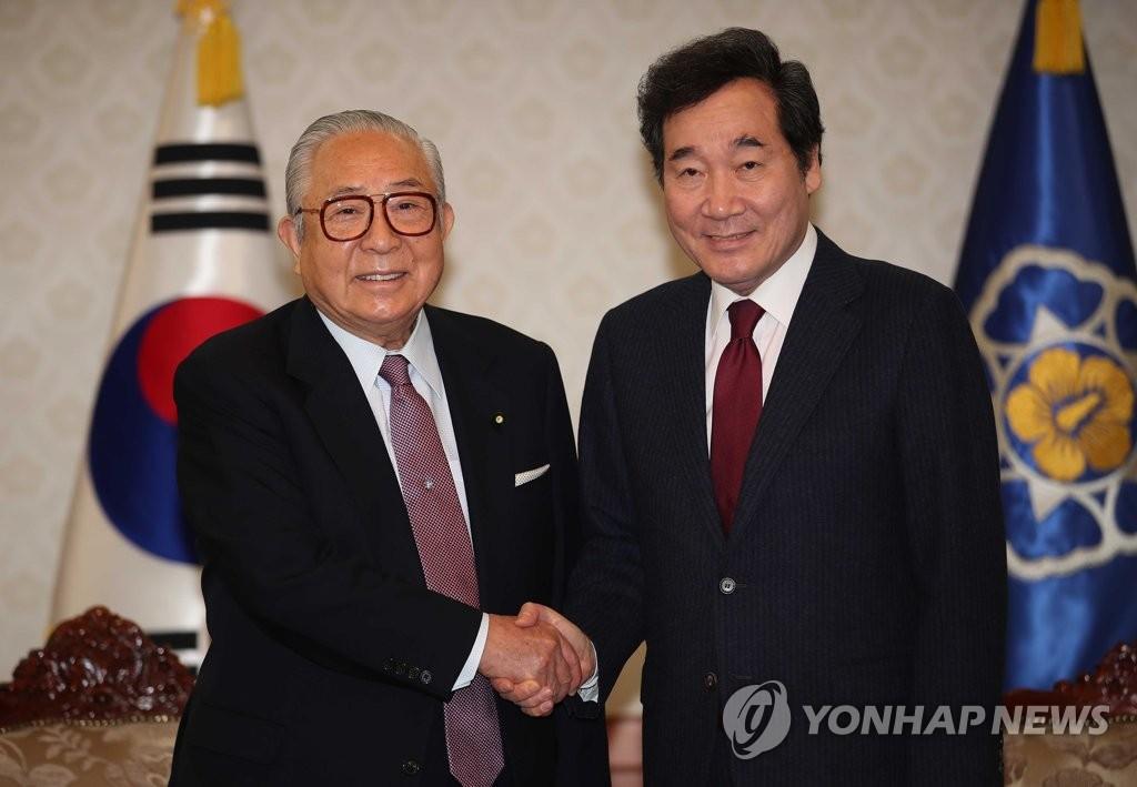 韩总理在首尔会晤日韩合作委代表