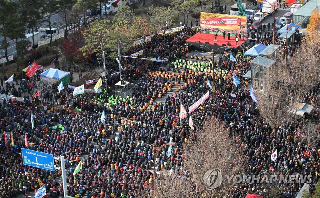 韩10万出租车司机罢工抵制拼车软件