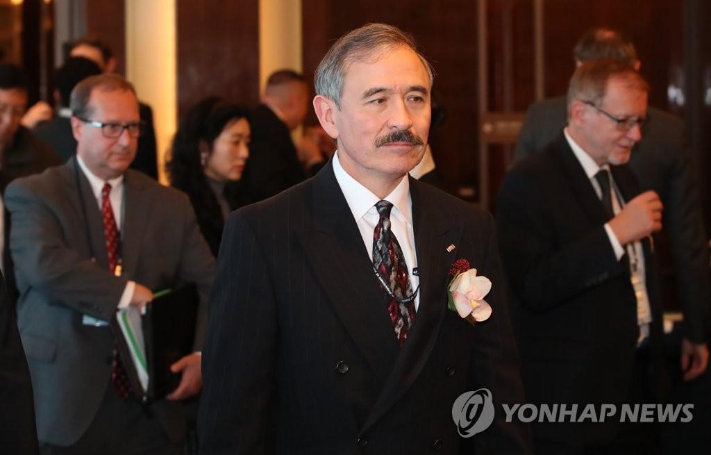 资料图片:美国驻韩国大使哈里·哈里斯(韩联社)