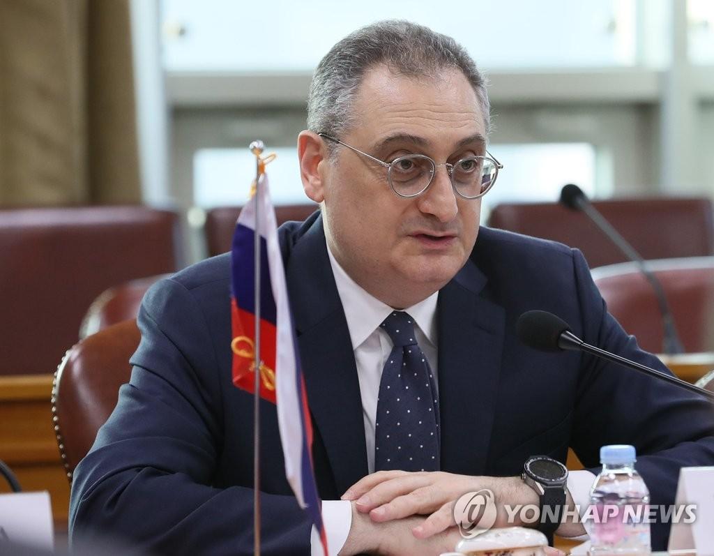 12月18日,在首尔外交部,俄罗斯负责亚太事务的副外长莫古洛夫在会上发言。(韩联社)