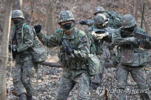 韩陆军冬练三九