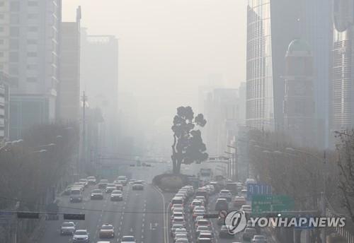 首尔雾霾围城