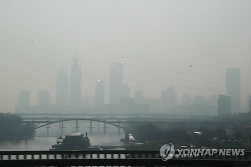 又遭遇雾霾