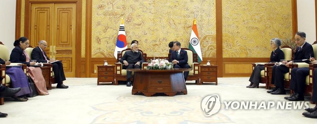 韩印签署4项合作谅解备忘录