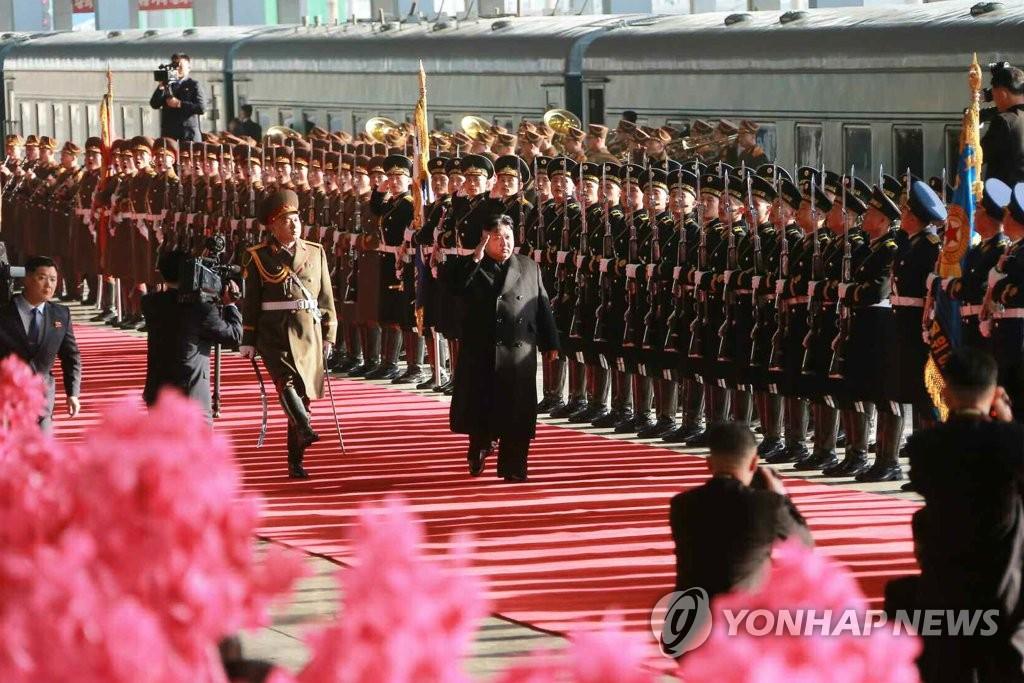 简讯:金正恩乘专列抵越南