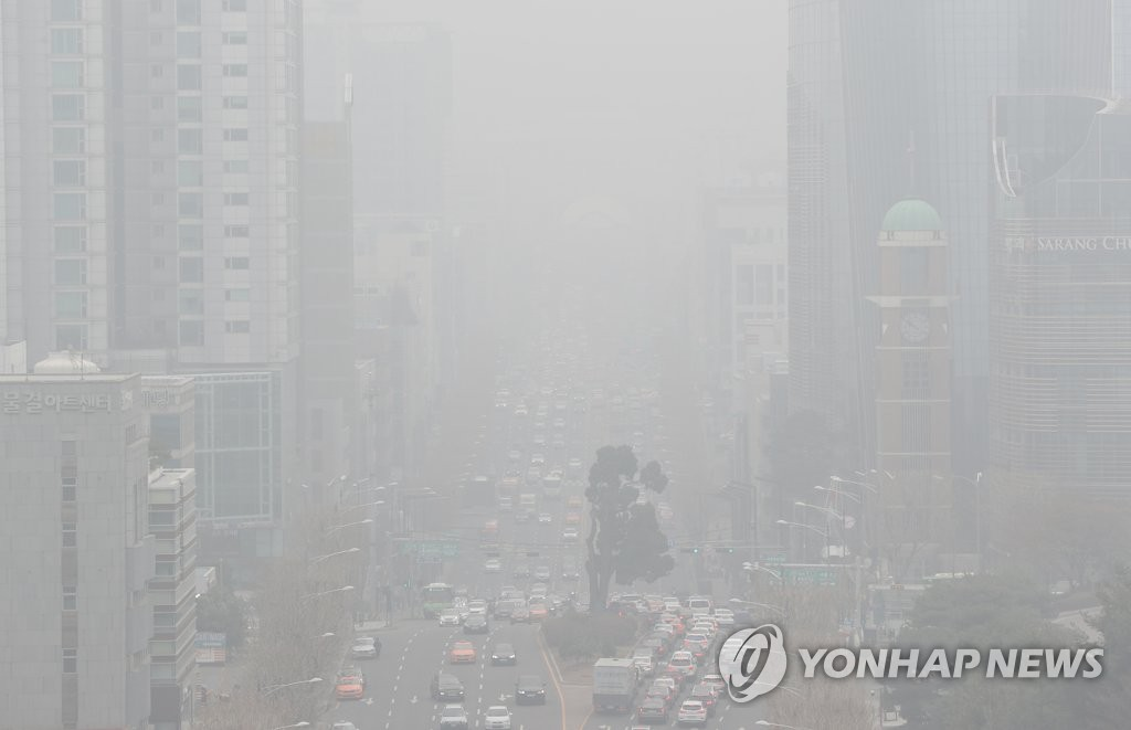 韩国首都圈遭遇史上最严重雾霾侵袭
