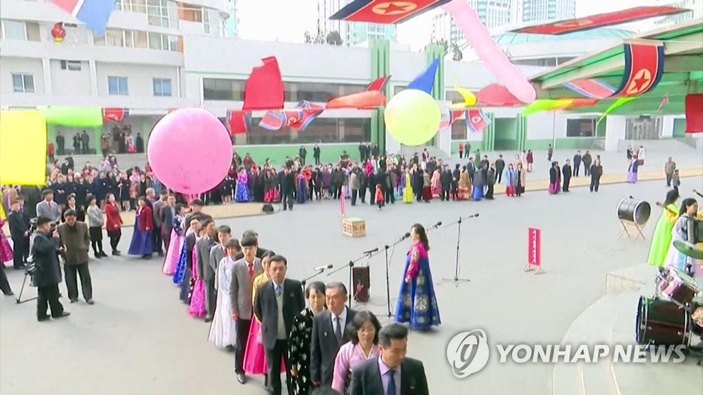 朝鲜干部代议员选举投票科教者凸显科教兴国