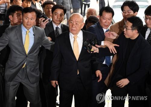 简讯:韩前总统全斗焕否认损害民运参加者名誉