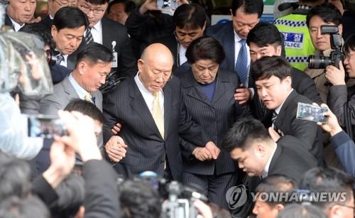 详讯:韩前总统全斗焕否认损害民运参加者名誉
