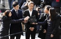 详讯:郑俊英涉偷拍不雅视频到案接受调查