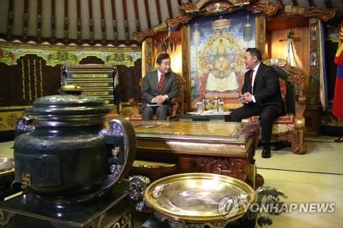 韩总理拜会蒙古国总统