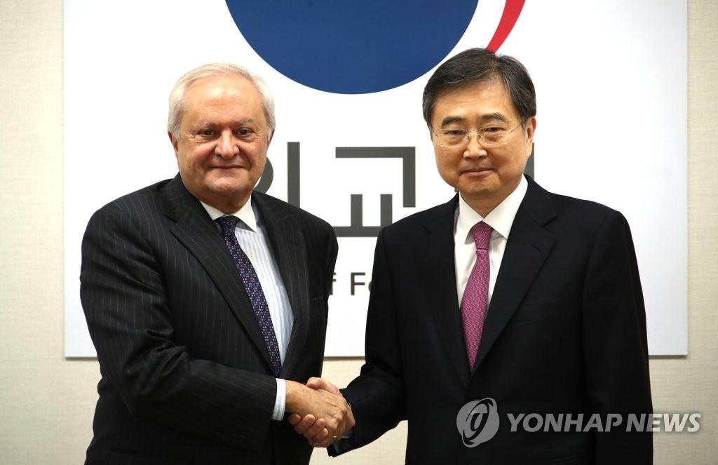 首轮韩国-西班牙战略对话在首尔举行